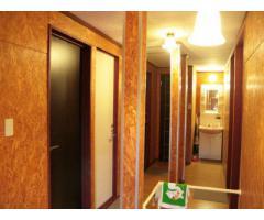 敷地内に個室7部屋の物件3棟、スタジオ、ゴルフ付シェアハウス